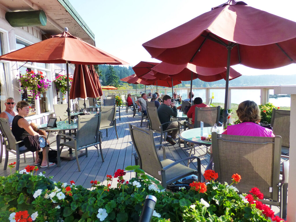 Lopez Islander Restaurant - outdoor patio