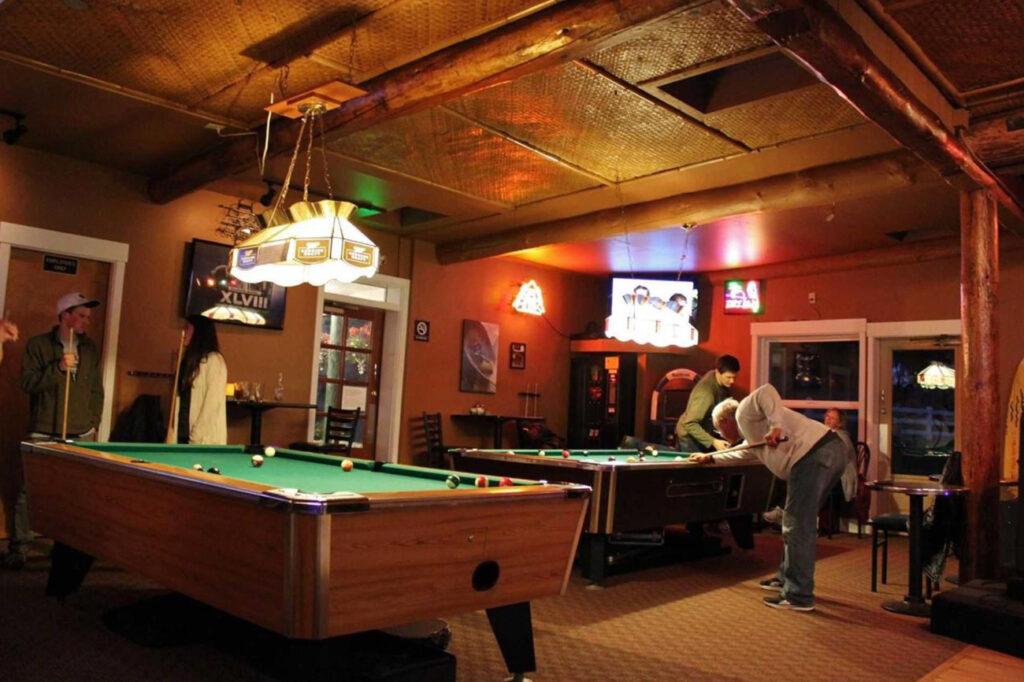 Lopez Islander Bar & Grill