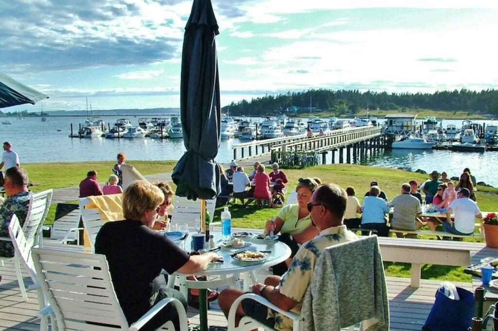 Family friendly accommodations - Lopez Islander Resort
