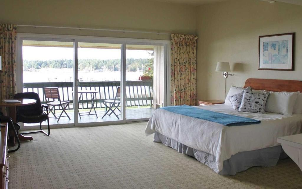 Lopez Island Hotel - Orca King Rooms
